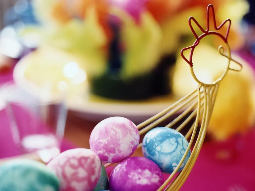 ... poze frumoase cu iepurasi si oua de pasti, precum si felicitari de
