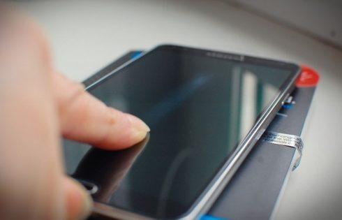 De ce nu folosesc folia de protectie pentru smartphone